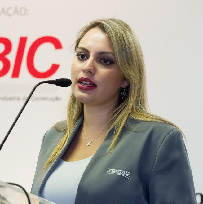 A gestora de meio ambiente da Toctao, Cinthia Martins