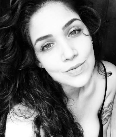"""Para Lylia Queiroz, a tatuagem é uma forma de expressão, """"assim como o modo de se vestir, se maquiar e se comportar"""""""