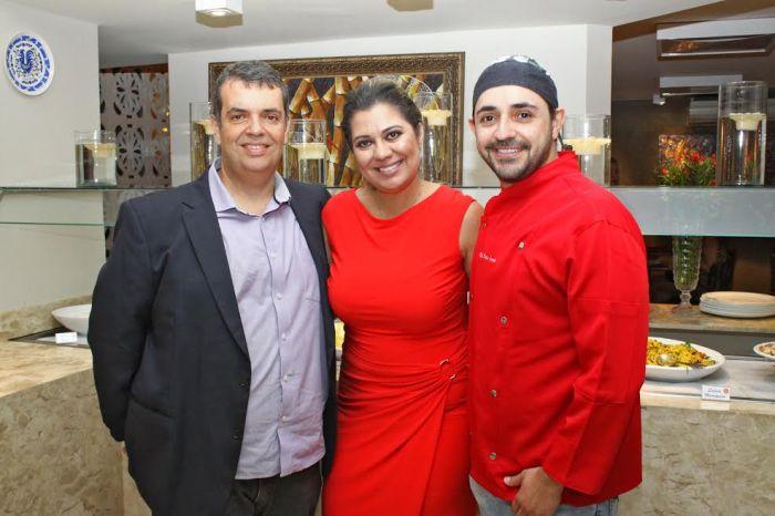 O casal de empresários Sérgio e Rejane Spirandelli com o chef Pedro Ernesto